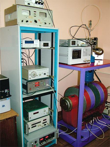 Установка для исследования  транспортных и магнитотранспортных свойств  твердых тел и наноструктур на переменном токе
