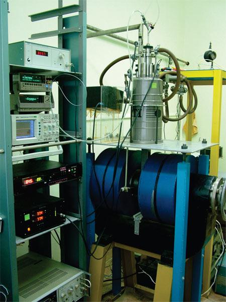Комплекс оборудования для исследования влияния оптического излучения на транспортные свойства твердых тел и наноструктур